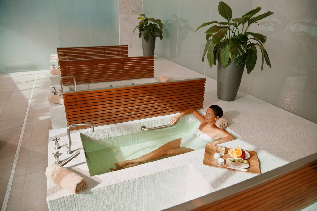 hydrotherapy spas lapis spa at fontainebleau