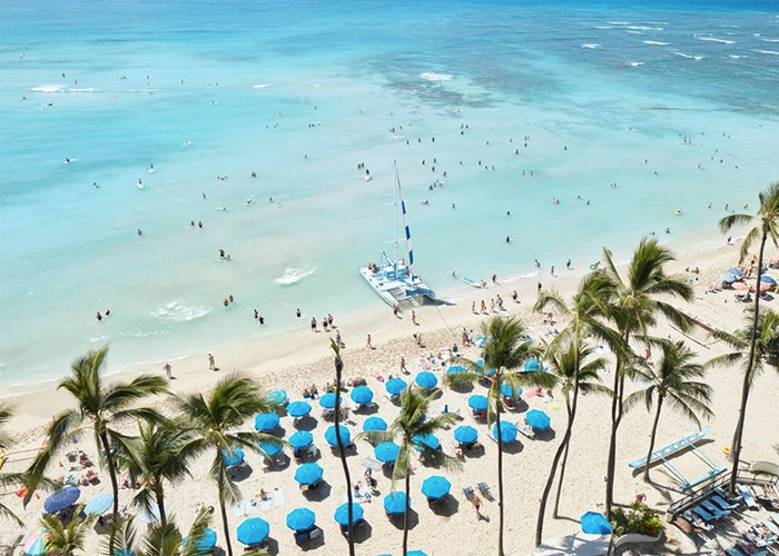 10 Gorgeous Honolulu Resorts Right On The Beach Smartertravel