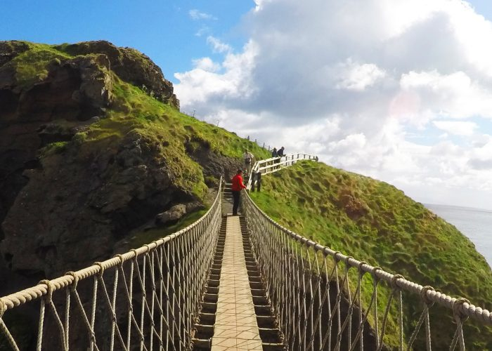 The World's 10 Most Amazing Suspension Bridges