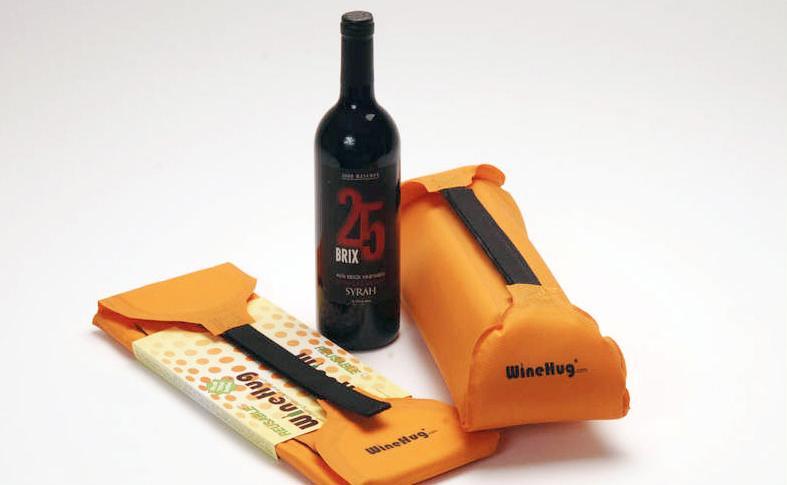 WineHug traveling case for wine
