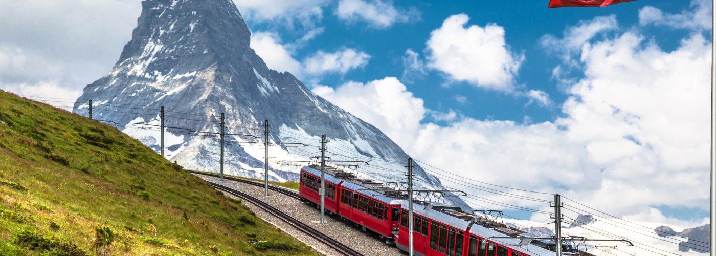 scenic train trips switzerland