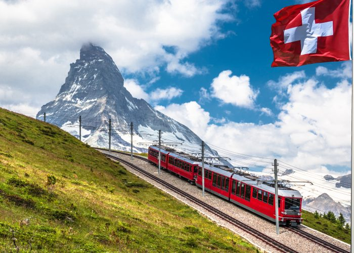 scenic train trips switzerland