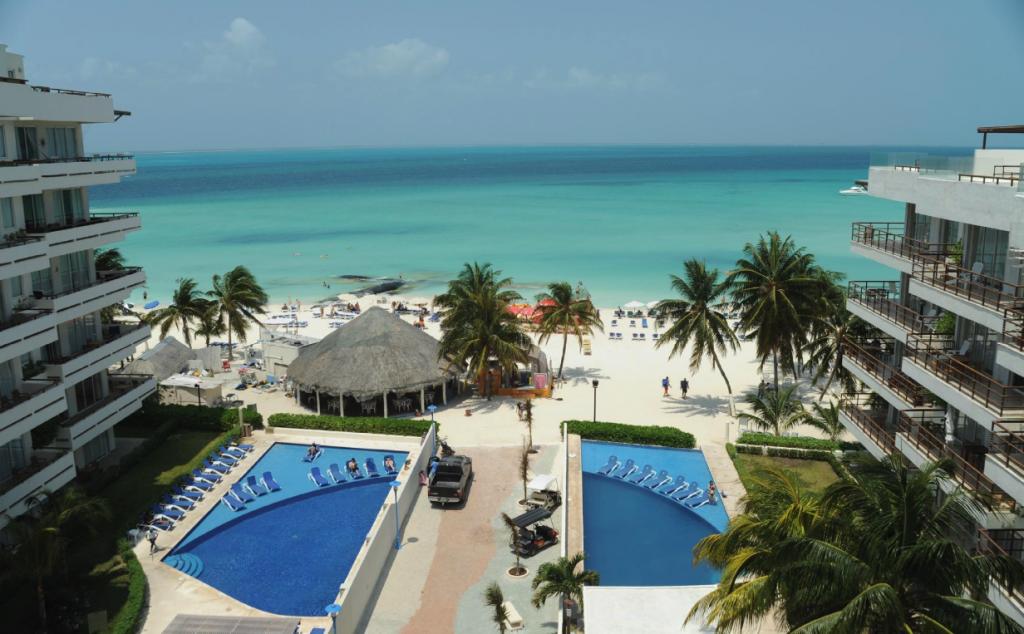 ixchel-beach-hotel-isla-mujeres-mexico