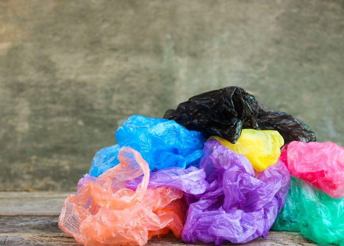 12 Clever Ways to Use Plastic Bags When You Travel