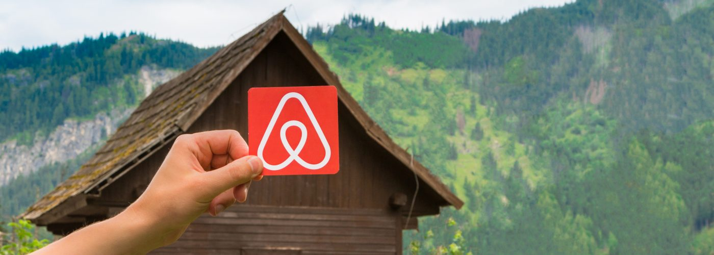 11 Things to Look for in an Airbnb Listing Before You Book