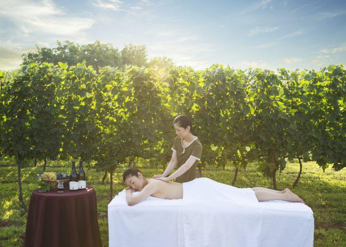 Hoshino Resorts_RISONARE Yatsugatake Vino Spa_Massage HERO