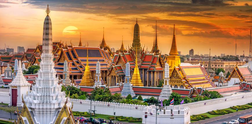 Bangkok thailand grand palace wat phra and keaw sunset.