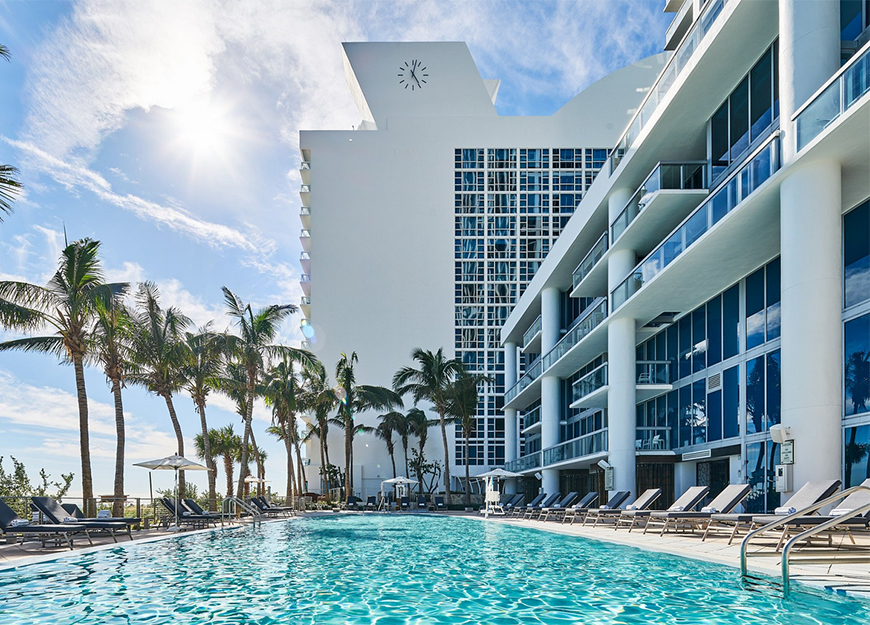 carillon miami wellness resort pool