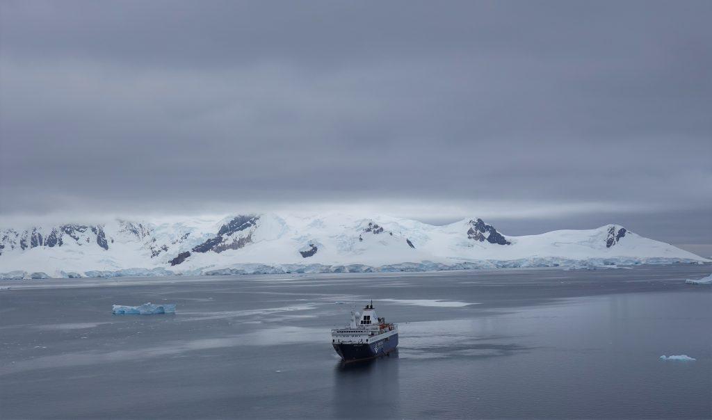 Ocean atlantic ship