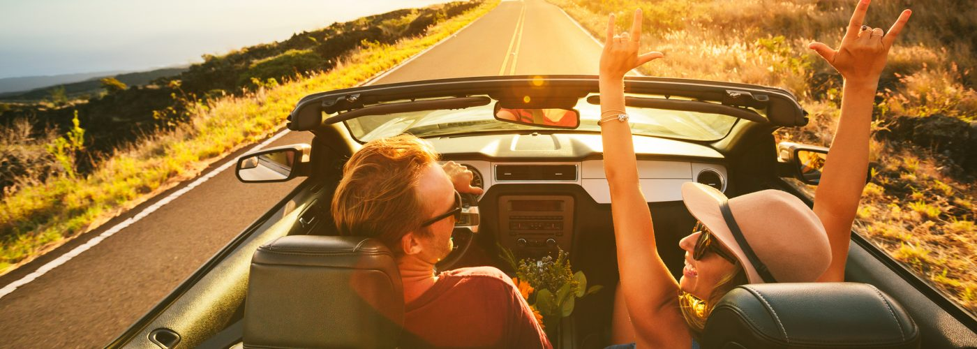 road-trip-couple