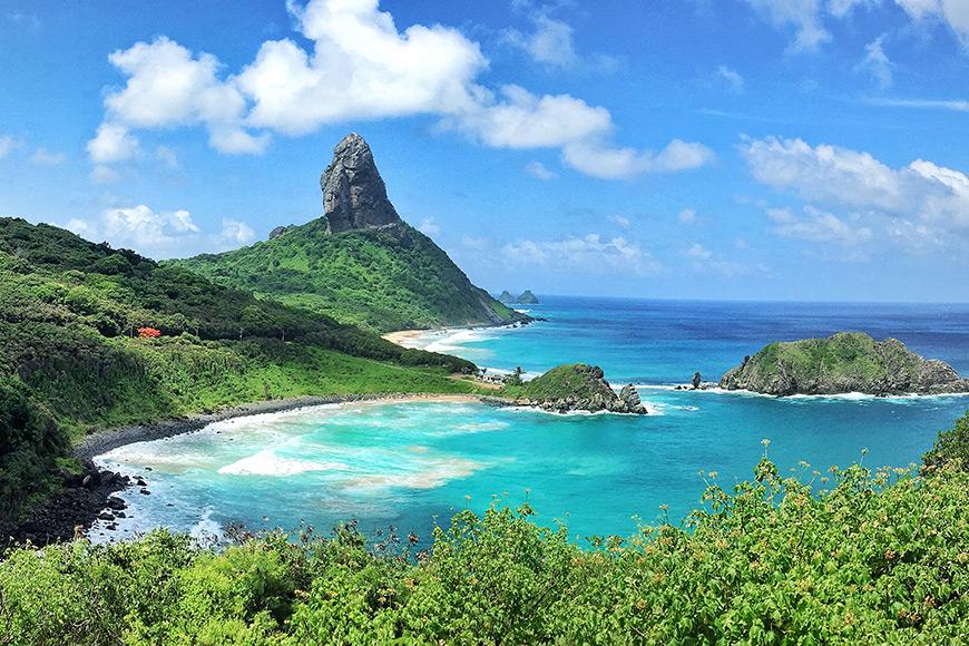 beach in fernando de noronha brazil