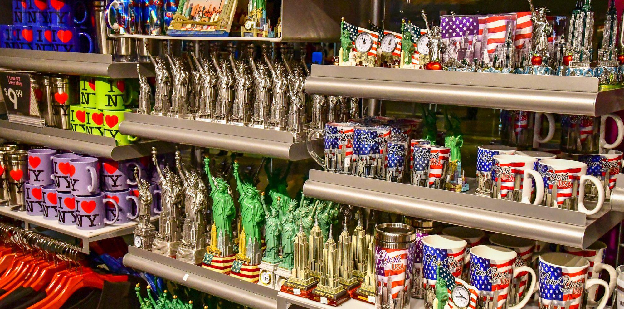 souvenirs airport shop