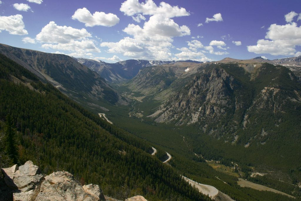 beartooth highway mountain view