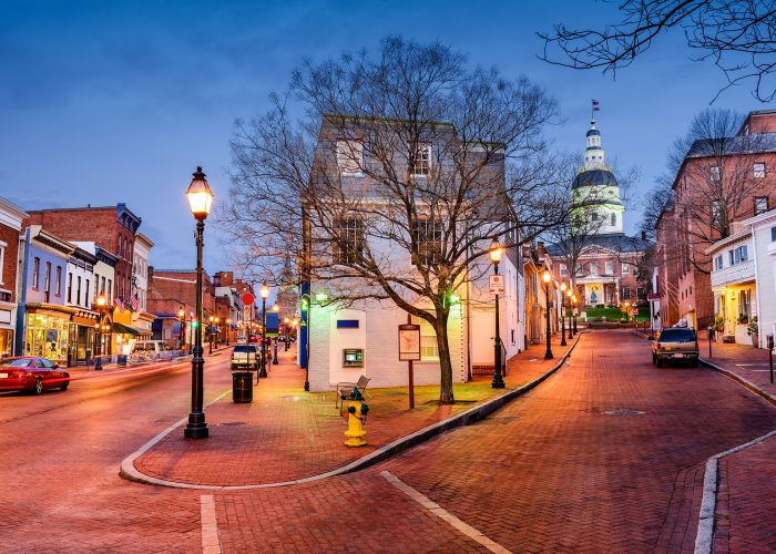 annapolis at night.