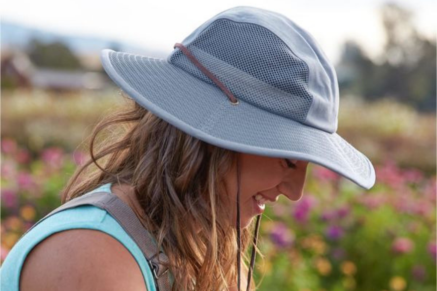 Duluth trading company crusher packable sun hat.
