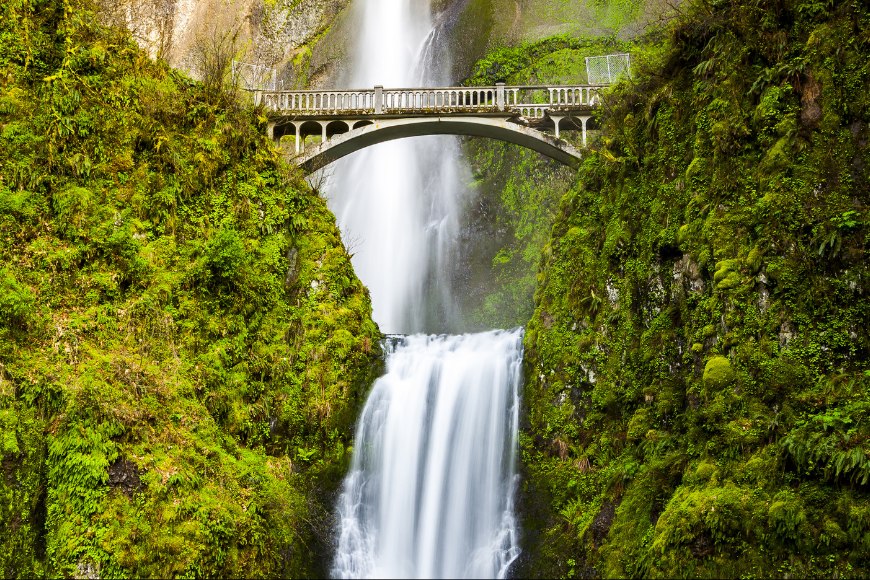 multnomah falls bridge oregon