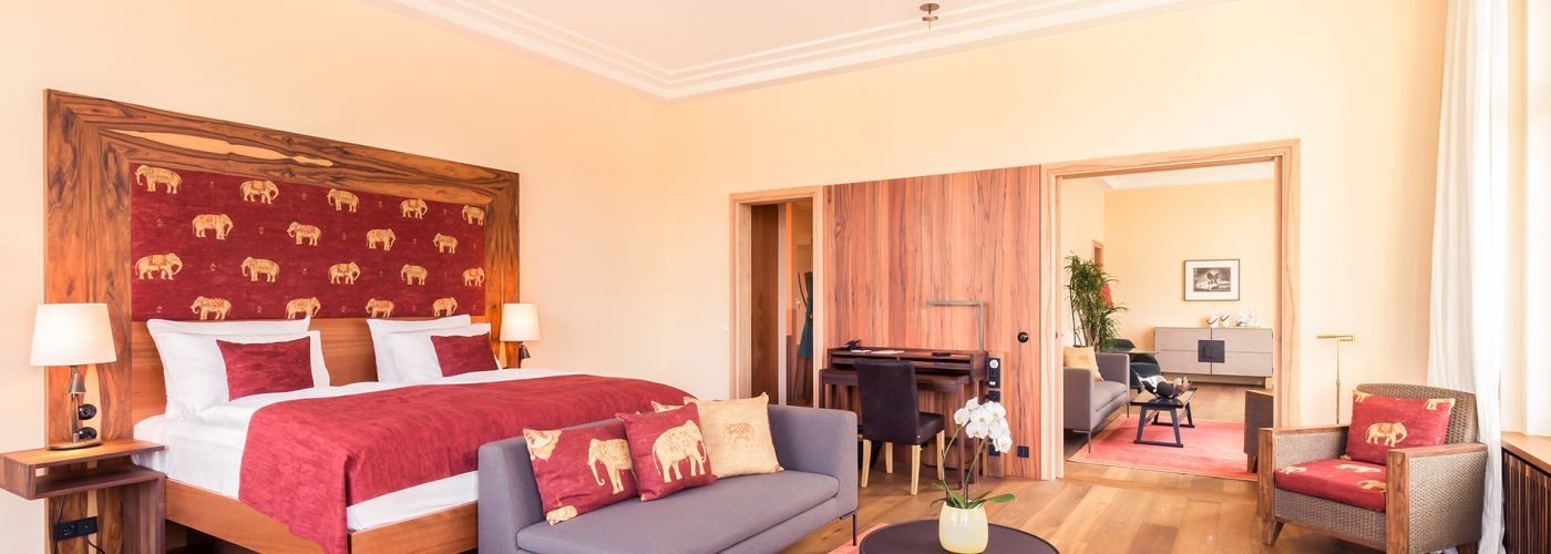 Orania86 Bedroom and Lounge by day.