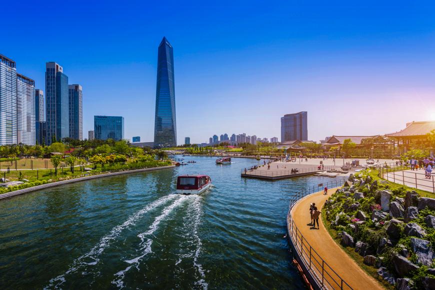riverwalk boats incheon south korea