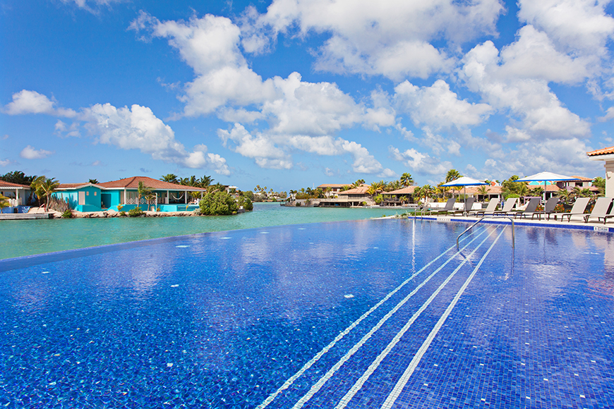 Courtyard marriott bonaire pool.