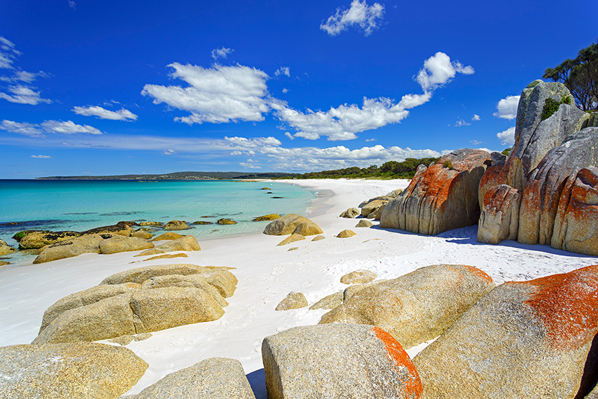 bay of fires beach tasmania.
