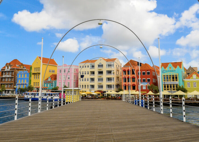 curacao colorful houses