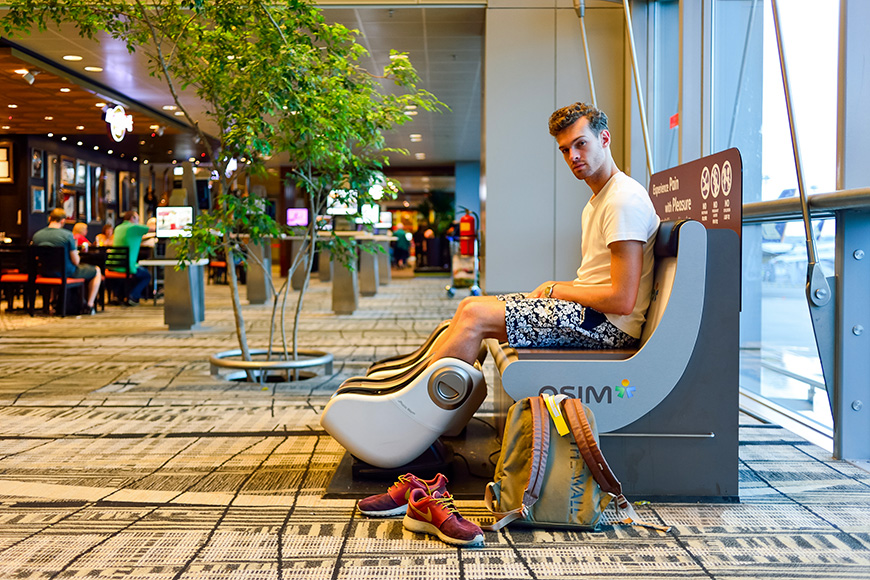 chair massage in singapore airport