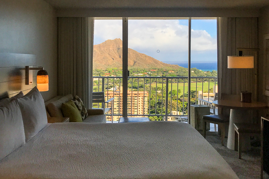 hotel room with a view in hawaii