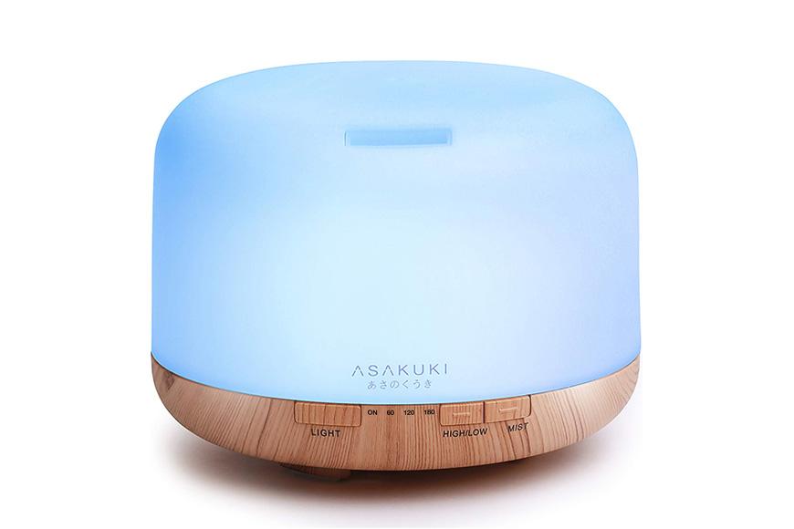 Asakuki's 5-in-1 Aromatherapy Device