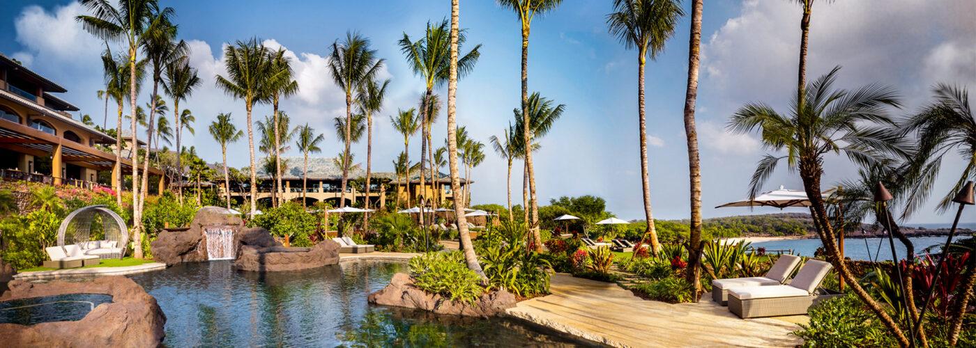 Four Seasons Resort Lanai pool