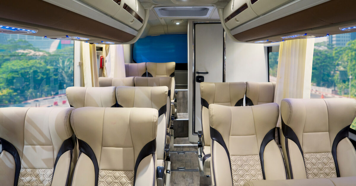 A Guide To 10 Luxury Bus Lines You Can Take Instead Of Amtrak