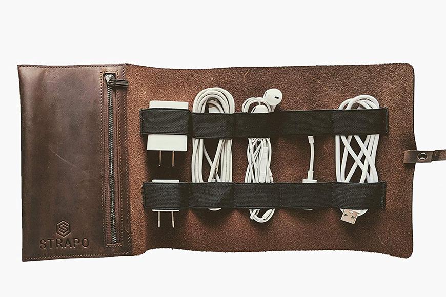 strapo leather accessory pouch.