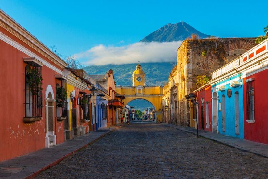 santa catalina arch in antigua guatemala