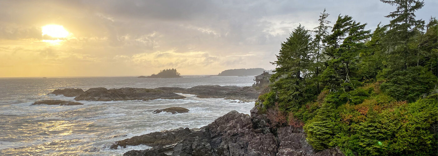 Tofino Sunrise looking out at ocean and cliffs