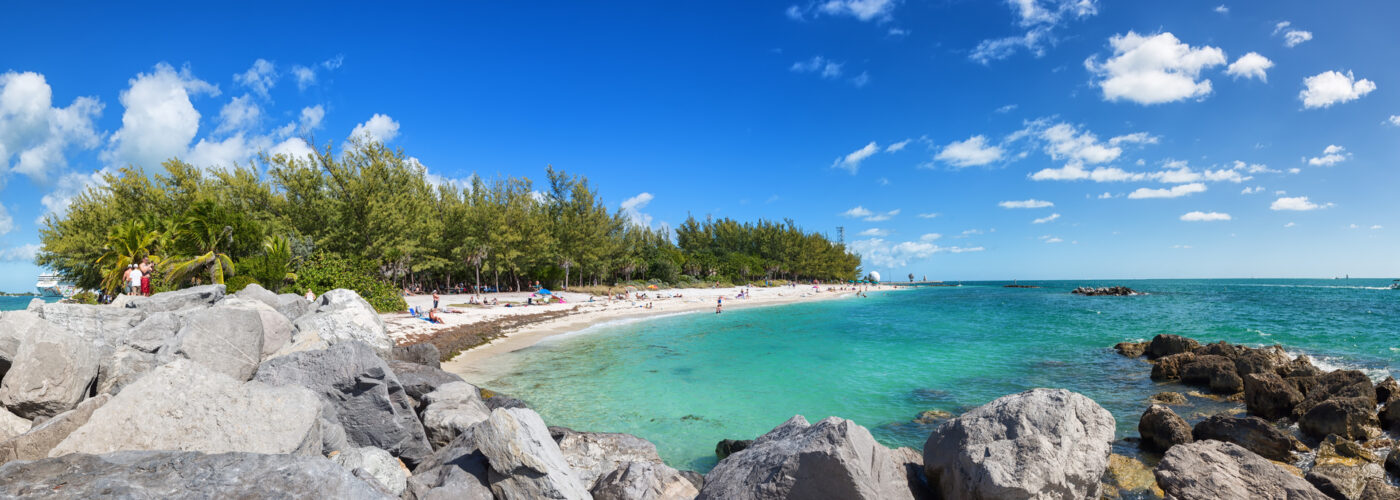 beach shoreline in florida keys