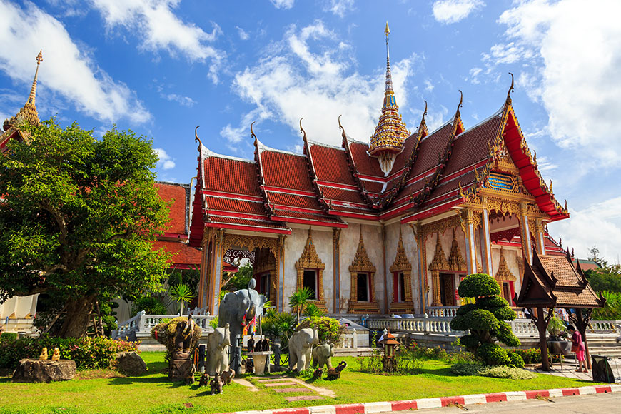 wat chalong temple phuket.