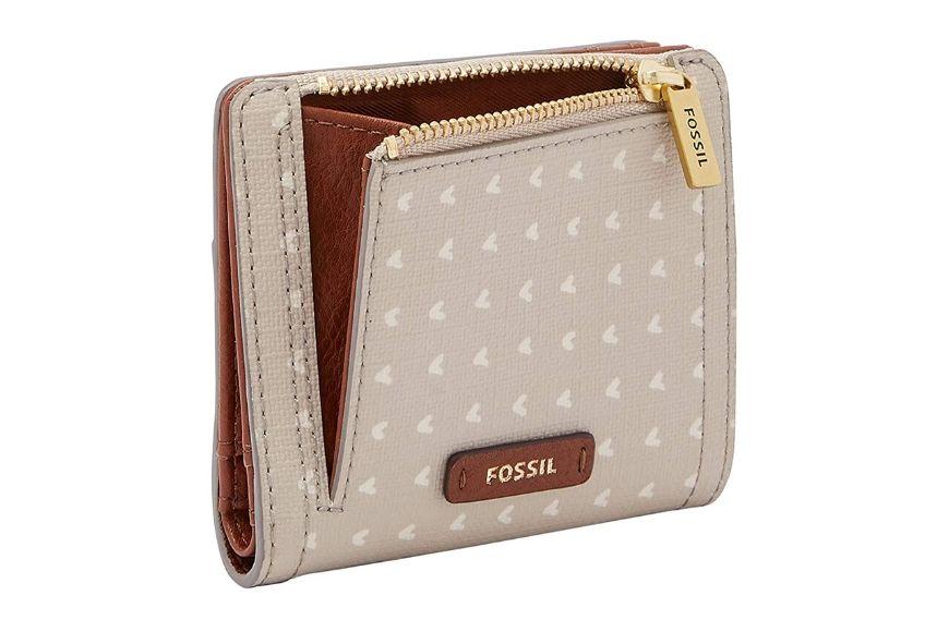 Fossil Logan Leather RFID Bifold Wallet.