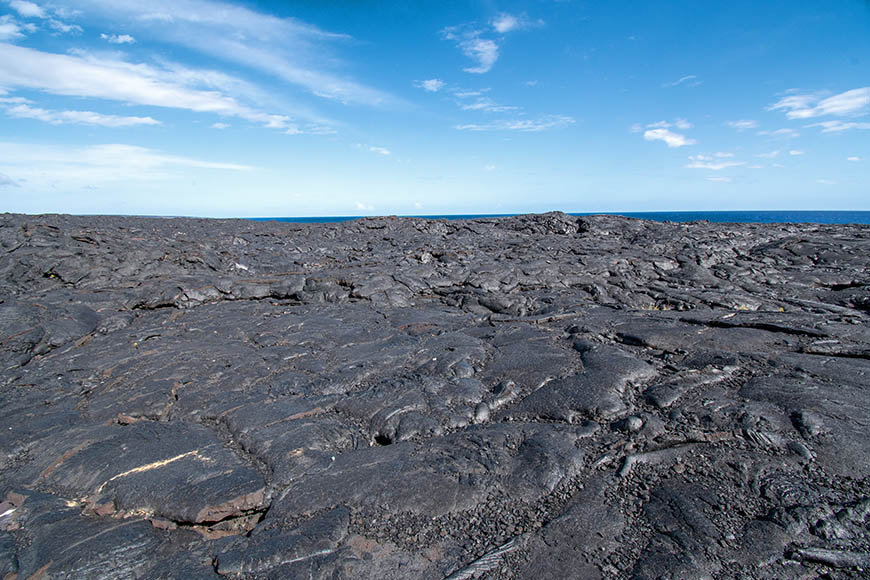 hawaii volcanoes national park lava flow.