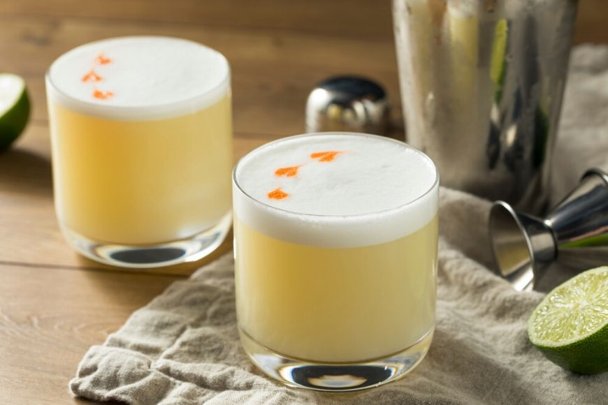 pisco sour cocktail.