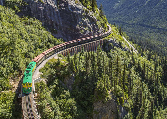 8 Amazing Train Rides in the USA