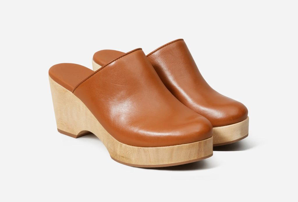 Everlane The Clog in the color Cognac