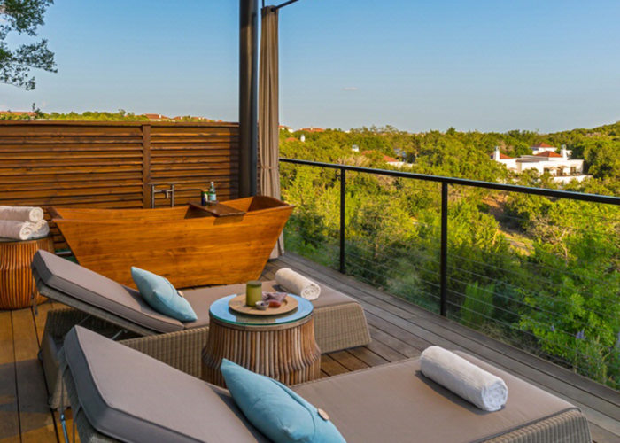 Deck with lounge chairs at Loma de Vida Spa & Wellness retreat
